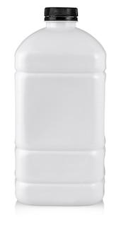 La grande bottiglia di plastica bianca su bianco