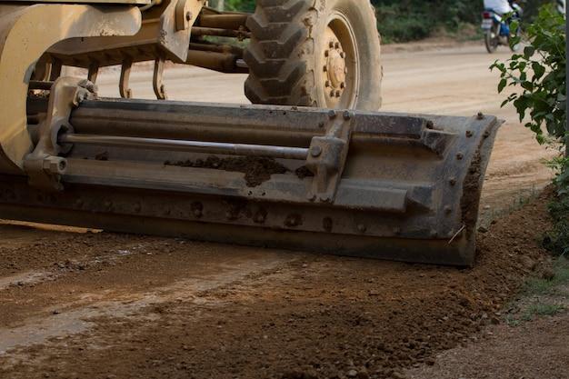 La macchina funziona la costruzione di strade asfaltate