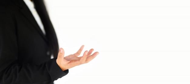 La manifestazione di gesto del pezzo in lavorazione della mano vuota di affari si allunga.