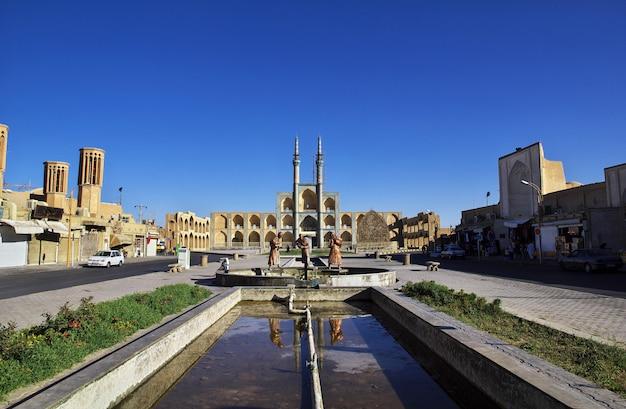La moschea nella città di yazd, in iran