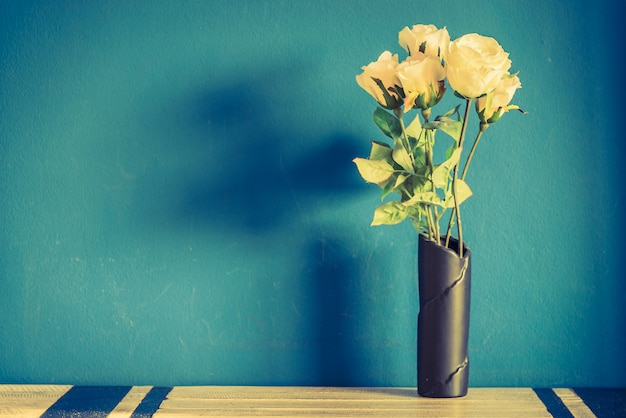 La natura shabby bellissimo vaso retrò