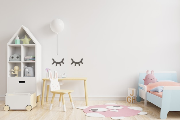 La parete del modello nella stanza dei bambini sulla parete bianca colora il fondo.