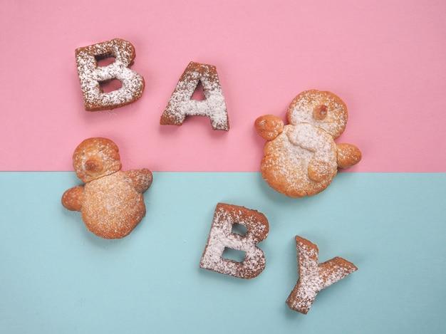 La parola biscotti per bambini. sfondo di cibo.