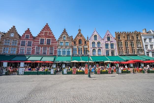 La piazza del mercato di bruges in belgio