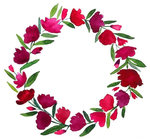 La pittura progettata dell'acquerello dei fiori viola porpora rosa rossi circonda la corona con le foglie verdi e lo spazio della copia su fondo bianco. gli articoli sono stati isolati e tracciati di ritaglio.