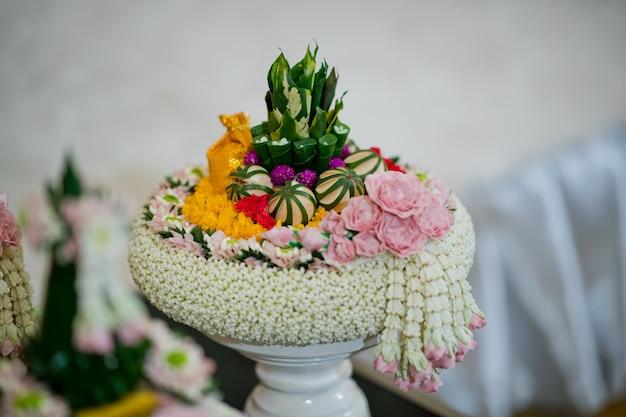 La processione di khan makk, cerimonia tradizionale thailandese, fidanzamento