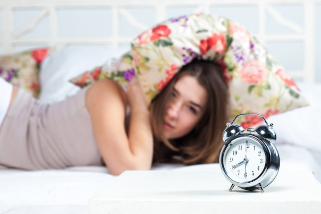 La ragazza a letto