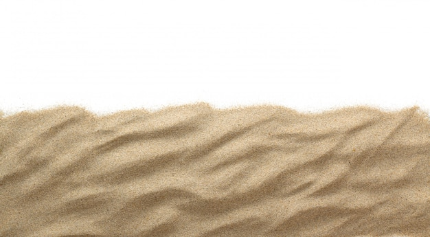 La sabbia isolata on white isolato copia spazio.