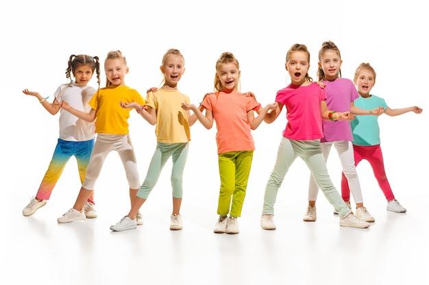 La scuola di ballo per bambini, balletto, hiphop, street, ballerini funky e moderni