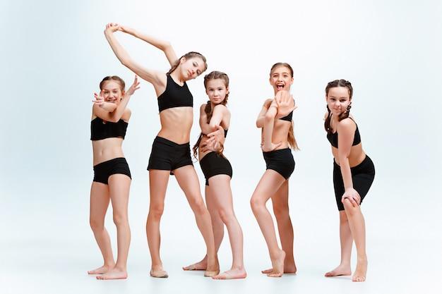 La scuola di danza per bambini, balletto, hiphop, street, ballerini funky e moderni