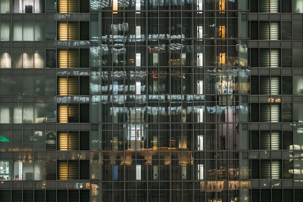 La simmetria di costruzione dell'affare che ha impiegato in ascensore nell'ora lavorativa