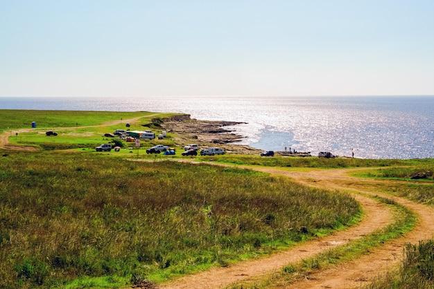 La strada per il campeggio sul mar nero.