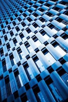 La struttura locale dell'architettura urbana moderna e lo sfondo della scienza e della tecnologia