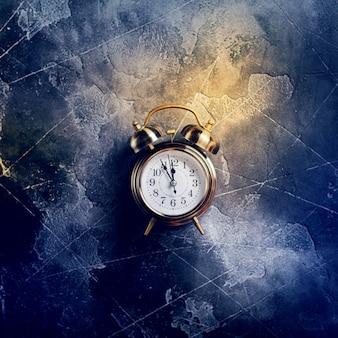 La sveglia di natale su annata oscura il concetto di tempo