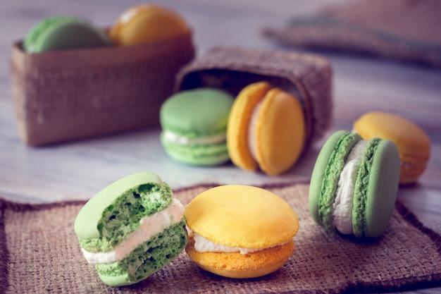 La tradizione francese: amaretti colorati