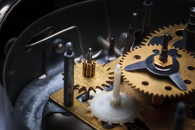 La vista macro del meccanismo dell'orologio