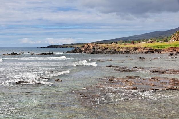 La vista sull'oceano pacifico sull'isola di pasqua, cile