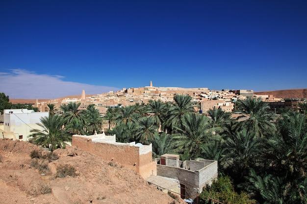 La vista sulla città di ghardaia nel deserto del sahara, algeria