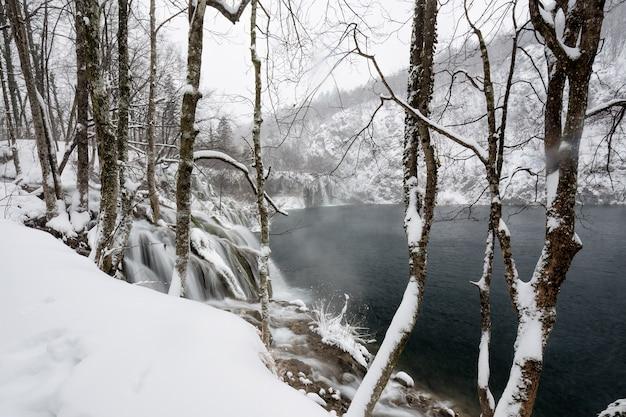 Laghi di plitvice d'inverno