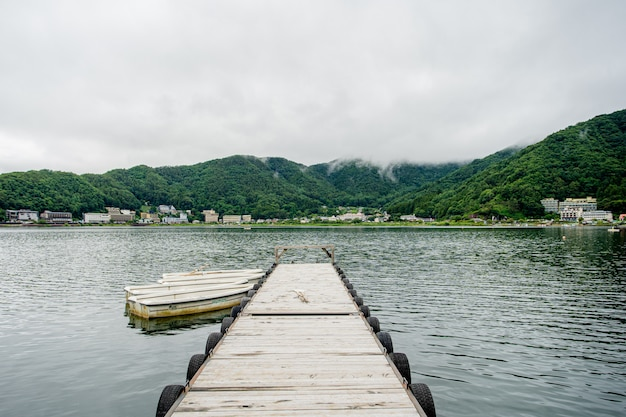 Lago giapponese vicino al monte fuji