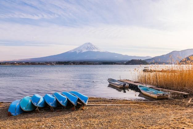 Lago kawaguchiko, montagna di fuji, giappone