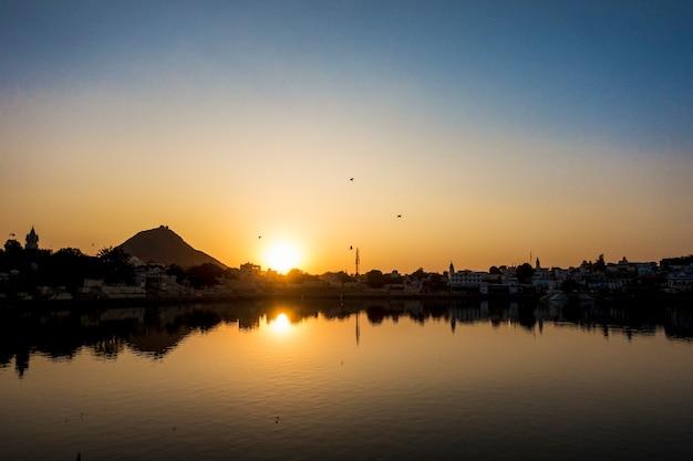 Lago pushkar un lago sacro, rajasthan, india