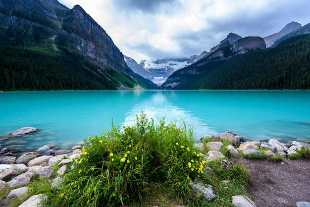 Lake louise, parco nazionale di banff, canada
