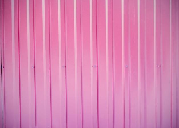 Lamiera di acciaio rosa.