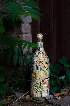 Lampada a mosaico sulla finestra