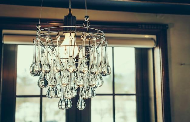 Lampadario di cristallo vintage (filtrata immagine elaborata ef epoca
