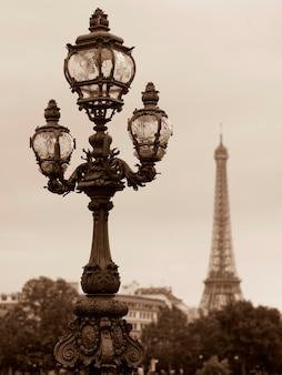 Lampioni sul ponte pont alexandre iii a parigi francia