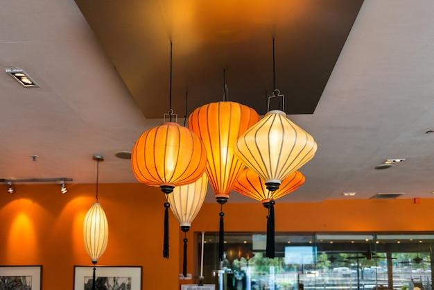Lanterne cinesi al coperto