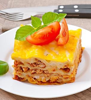 Lasagna classica con ragù alla bolognese