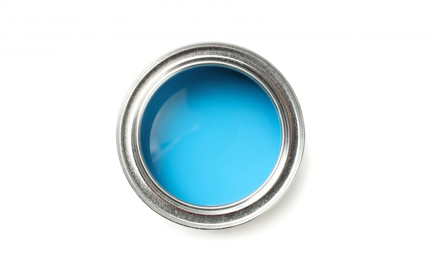 Latta di vernice blu isolata su superficie bianca