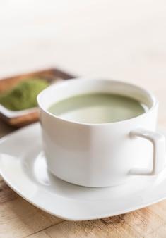 Latte caldo matcha