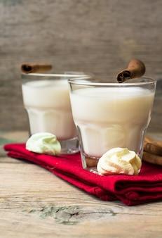 Latte con cannella