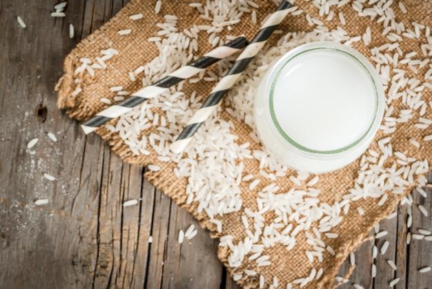 Latte di riso, con chicchi di riso