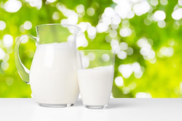 Latte e spazio verde