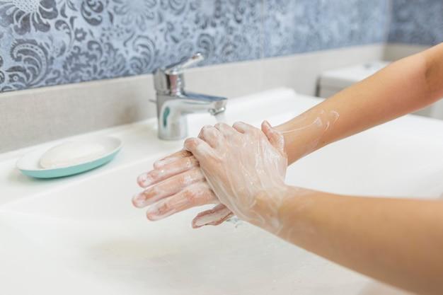 Lavarsi le mani concetto