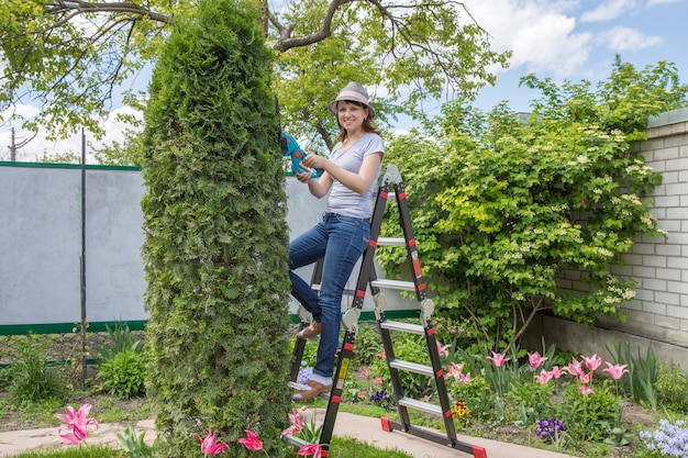 Lavorare in giardino