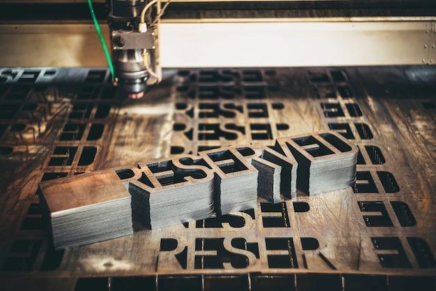 Lavorazione al plasma di macchine per il taglio dei metalli con taglio laser