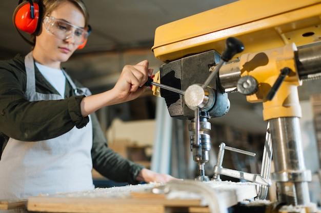 Lavoro maschile fatto da donna