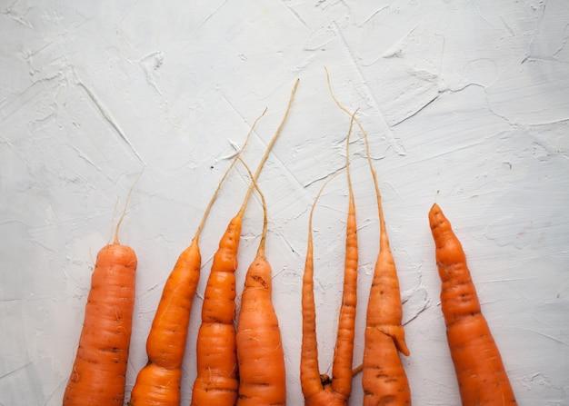 Lay piatto di varie carote in diverse forme