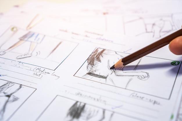 Layout di film pratici sullo storyboard per la pre-produzione, disegno narrativo creativo per i film multimediali di produzione di processo.