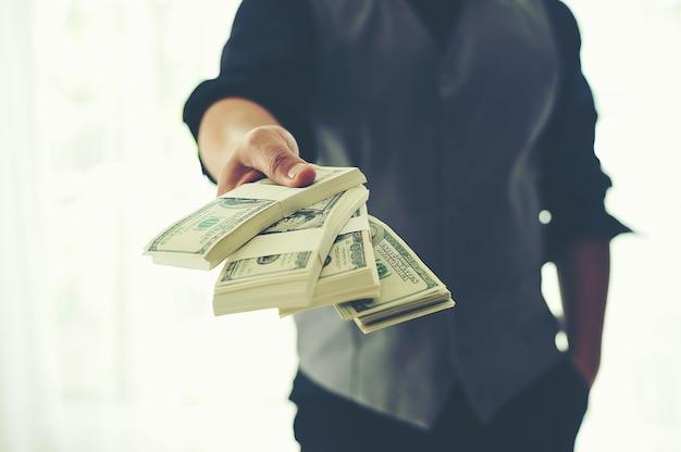 Le finanze sono finanziariamente gratificanti.
