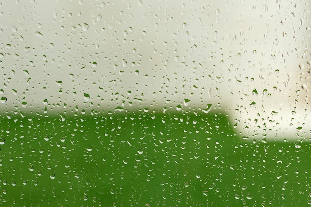 Le gocce di pioggia si chiudono
