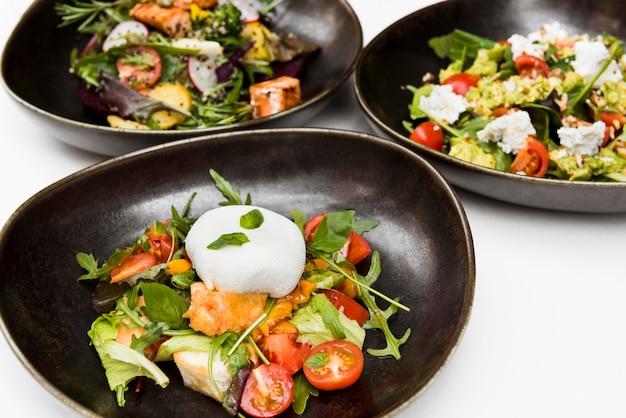 Le insalate sane saporite si chiudono su