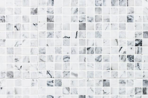 Le mattonelle bianche strutturano la priorità bassa