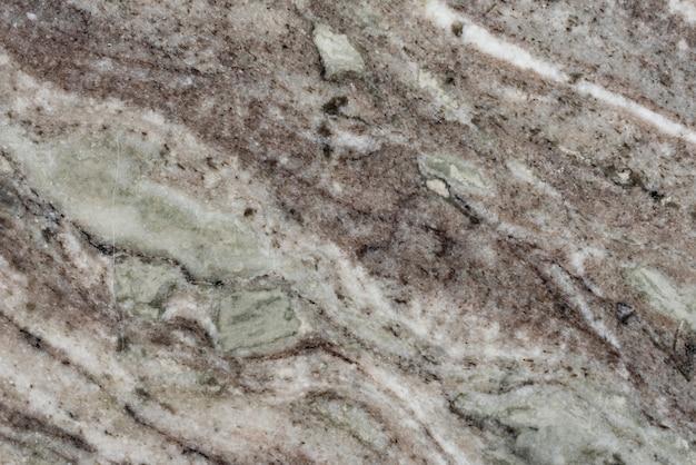 Le mattonelle di marmo hanno strutturato la progettazione del fondo