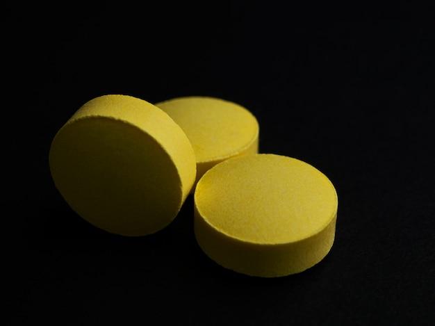 Le medicine aiutano a curare le malattie, comunemente usate in tutto il mondo